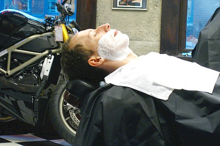 Mampering Deluxe Hot Shave